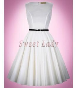 Jednoduché biele šaty v štýle vintage
