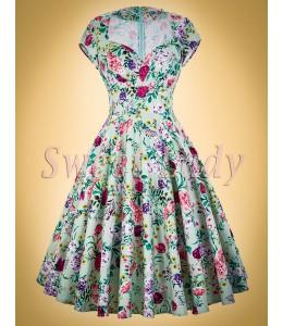 Krásne kvetované šaty v štýle vintage