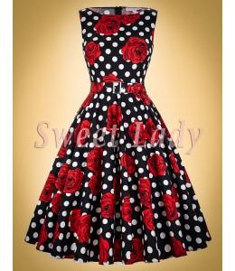 Vzorované vintage šaty s opaskom