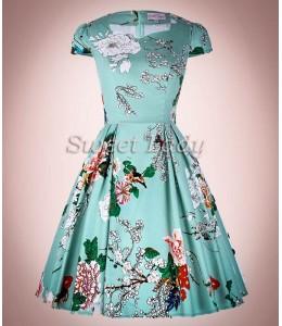 Kvetované šaty v štýle 50. rokov