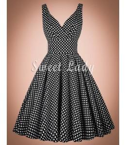 Pôvabné bodkované šaty z rokov 1950