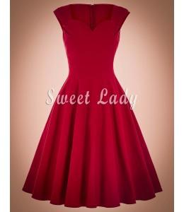 Červené jednoduché retro šaty s výstrihom