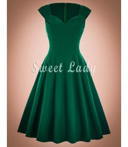Krásne vintage šaty v zaujímavej zelenej farbe