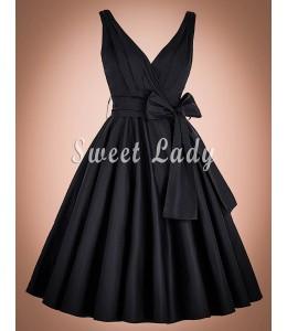 Krásne čierne retro šaty na široké ramienka