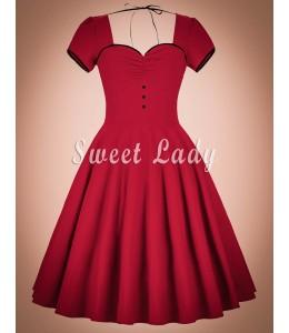 Šaty so širokou sukňou červenej farby