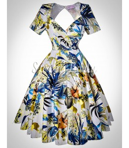 Zaujímavé retro šaty so širokou sukňou