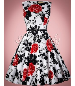 Vzorované šaty v štýle vintage s opaskom
