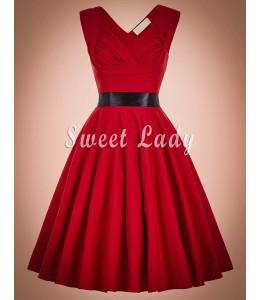Vintage šaty v červenej farbe s výstrihom