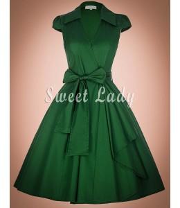 Retro šaty v zelenej farbe a golierikom