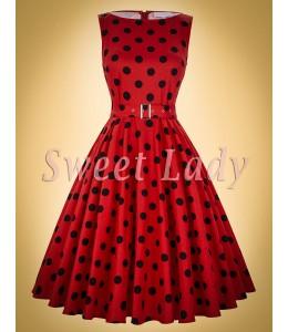 Roztomilé červené retro šaty s čiernymi bodkami