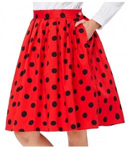 Roztomilá červená sukňa s čiernymi bodkami
