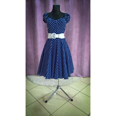 Jednoduché bodkované šaty modrej farby