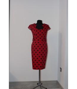 Úzké červené puntíkované šaty